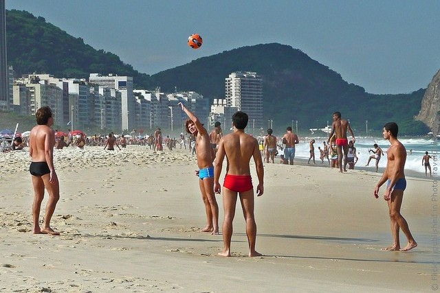 Пляж Копакабана в Бразилии - фото