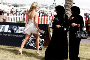 Что можно одевать и носить в Арабских Эмиратах, в ОАЭ