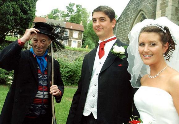 Почему в Англии приглашают трубочиста на свадьбу?