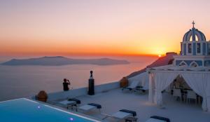 Комфортабельные отели острова Санторини в Греции