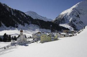 Популярные горнолыжные курорты Австрии: Зельден, Маерхофен, Лех.